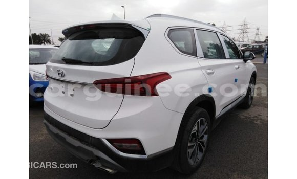 Acheter Importé Voiture Hyundai Santa Fe Blanc à Import - Dubai, Conakry