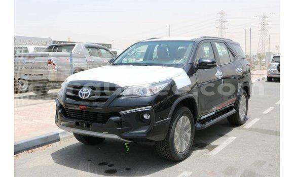 Acheter Importé Voiture Toyota Fortuner Noir à Import - Dubai, Conakry