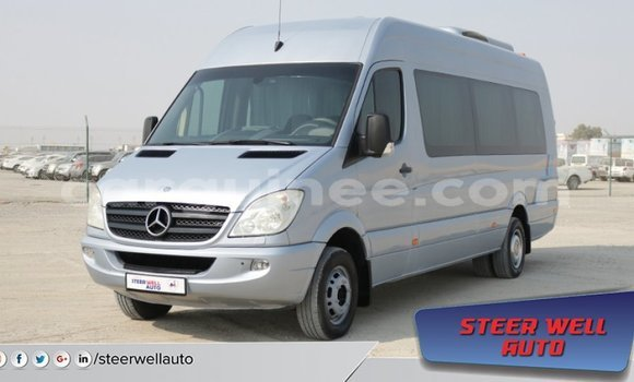 Medium with watermark mercedes benz 190 conakry import dubai 3565