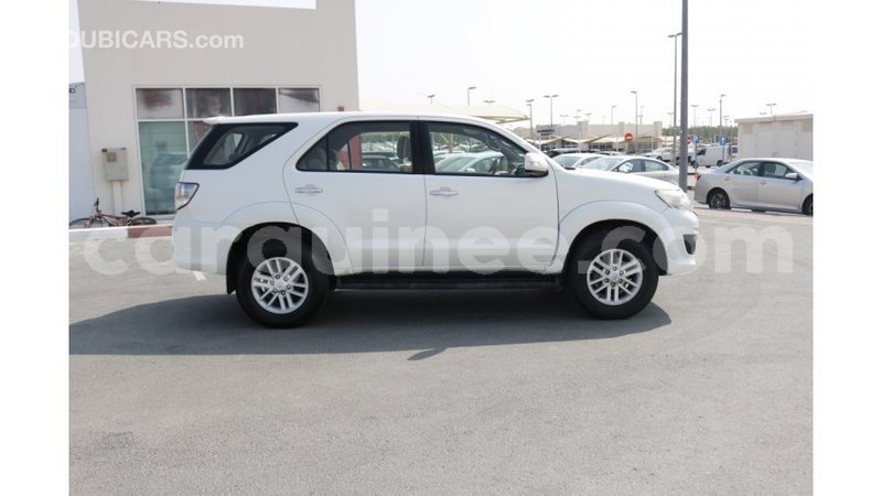 Big with watermark toyota fortuner conakry import dubai 3577