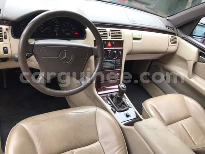 Big with watermark mercedes benz e%e2%80%93class conakry conakry 3594