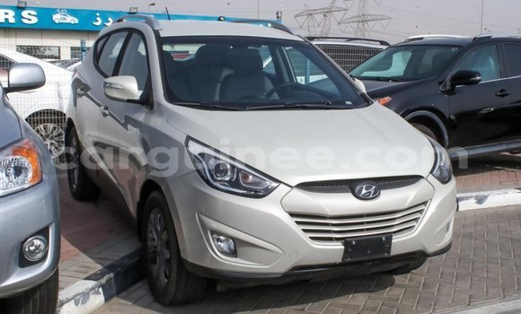 Medium with watermark hyundai tucson conakry import dubai 3707
