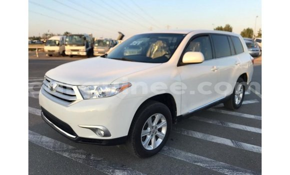Medium with watermark toyota highlander conakry import dubai 3952