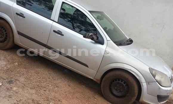 Acheter Occasion Voiture Opel Astra Gris à Kaloum au Conakry