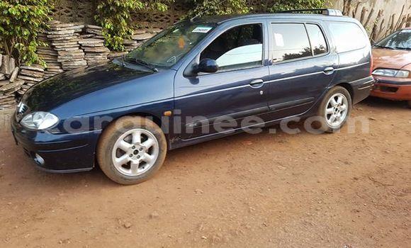 Acheter Occasion Voiture Renault Megane Bleu à Kaloum au Conakry