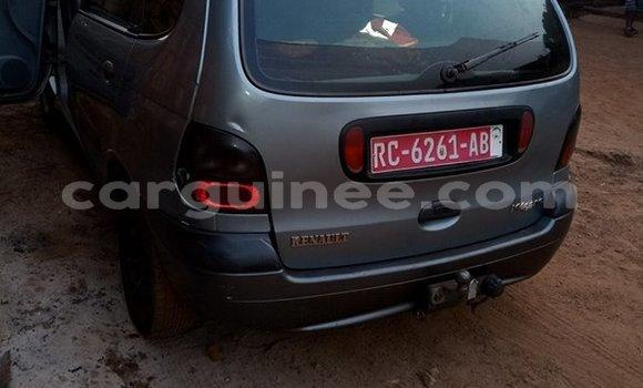 Acheter Occasion Voiture Renault Megane Gris à Kaloum au Conakry