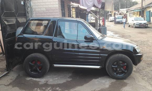 Acheter Occasion Voiture Toyota RAV4 Noir à Kaloum au Conakry