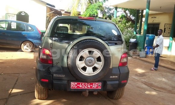 Acheter Occasions Voiture Renault Scenic Vert à Ratoma au Conakry