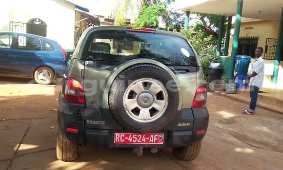 Acheter Occasion Voiture Renault Scenic Vert à Ratoma au Conakry
