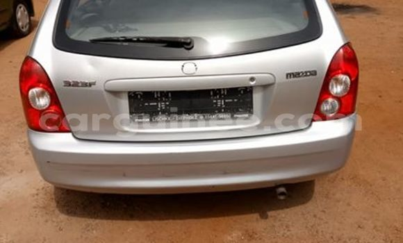 Acheter Occasion Voiture Mazda 323 Gris à Matoto au Conakry