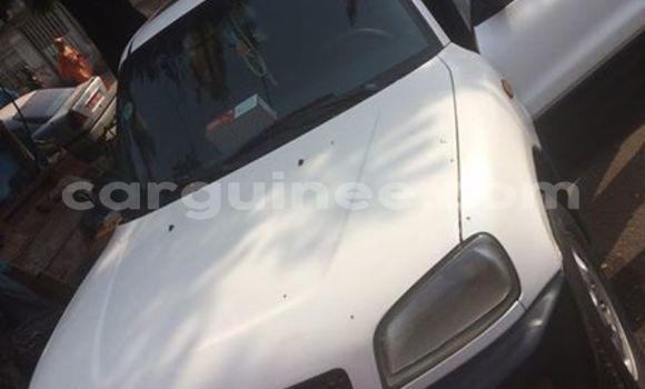 Acheter Occasion Voiture Toyota RAV4 Blanc à Kankan au Kankan