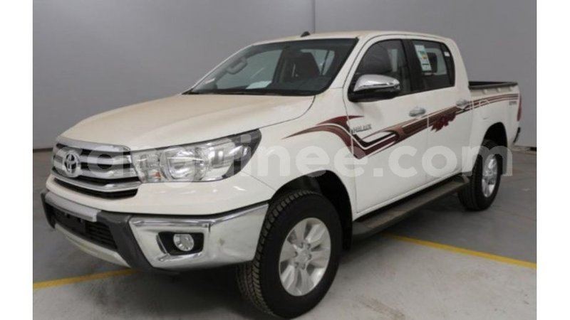 Big with watermark toyota hilux conakry import dubai 4373