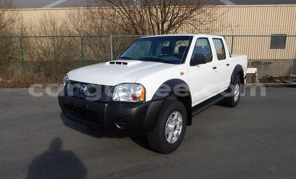 Acheter Neuf Voiture Nissan Hardbody Blanc à Conakry au Conakry