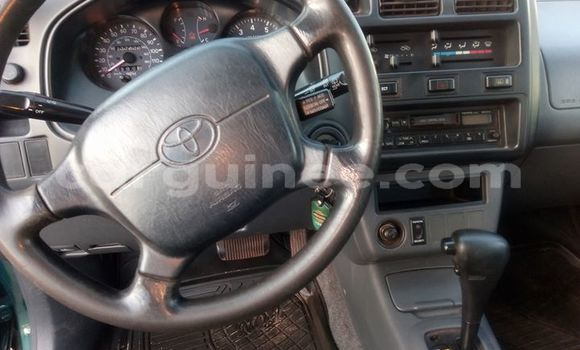 Acheter Occasions Voiture Toyota RAV4 Vert à Conakry au Conakry
