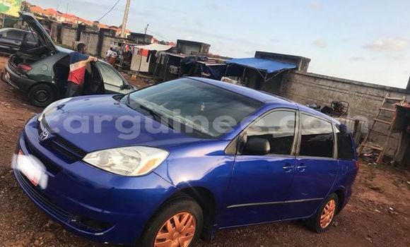 Acheter Occasion Voiture Toyota Sienna Bleu à Conakry, Conakry