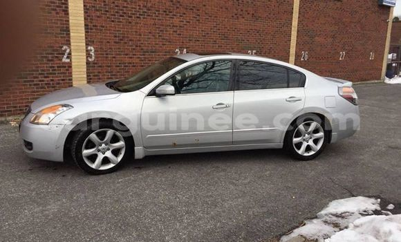 Buy Used Nissan Altima Silver Car in Conakry in Conakry