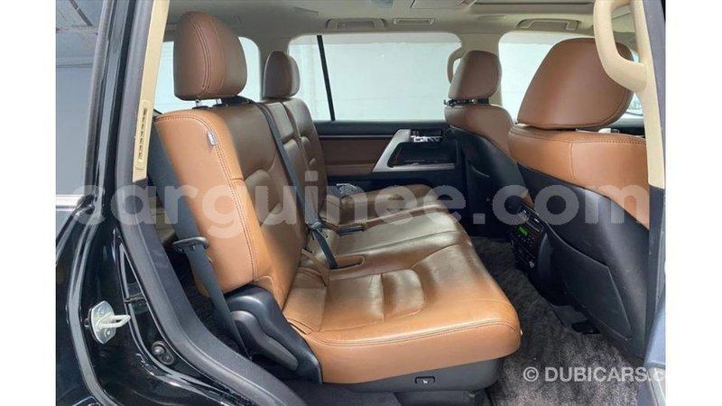 Big with watermark toyota land cruiser conakry import dubai 5585