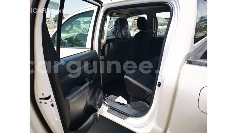 Big with watermark toyota hilux conakry import dubai 5709