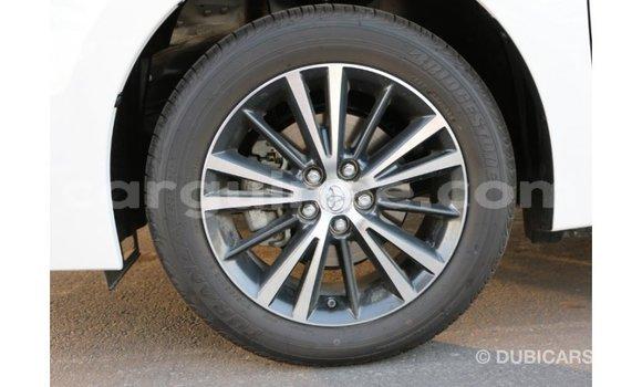 Acheter Importé Voiture Toyota Corolla Blanc à Import - Dubai, Conakry