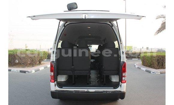 Acheter Importé Voiture Toyota Hiace Blanc à Import - Dubai, Conakry
