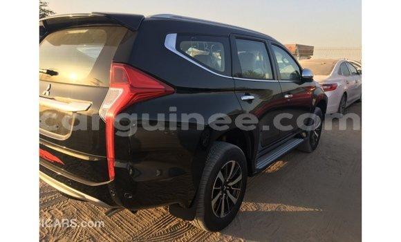 Acheter Importé Voiture Mitsubishi Montero Noir à Import - Dubai, Conakry