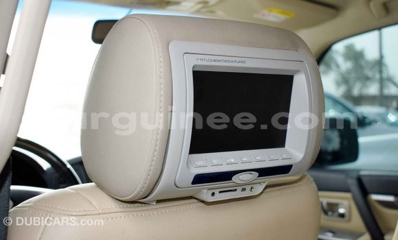 Acheter Importé Voiture Mitsubishi Pajero Blanc à Import - Dubai, Conakry