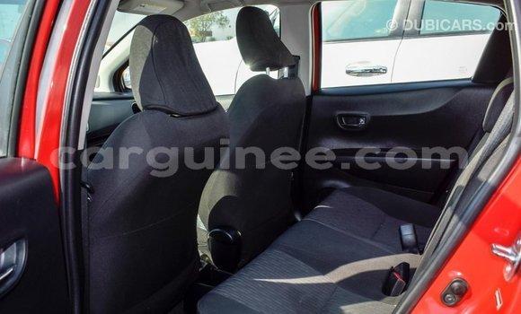 Acheter Importé Voiture Toyota Yaris Rouge à Import - Dubai, Conakry