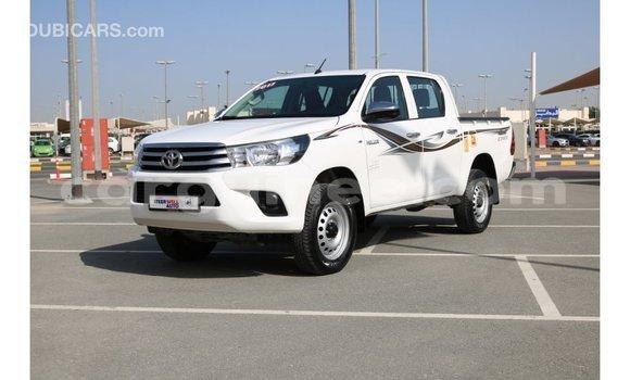 Acheter Importé Voiture Toyota Hilux Blanc à Import - Dubai, Conakry