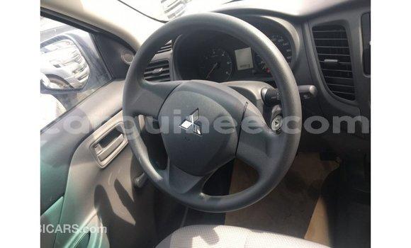 Acheter Importé Voiture Mitsubishi L200 Blanc à Import - Dubai, Conakry