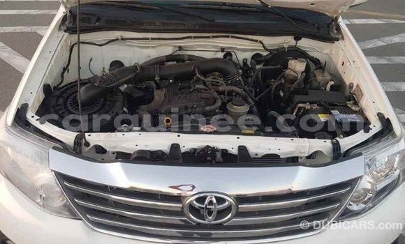 Acheter Importé Voiture Toyota Fortuner Blanc à Import - Dubai, Conakry